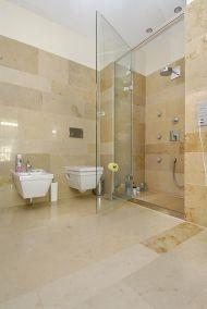 Mészkő járólap fürdőszoba