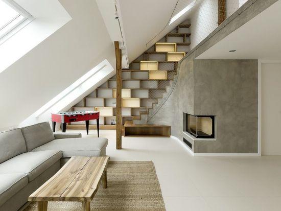 Loft jellegű lakás belső lépcső