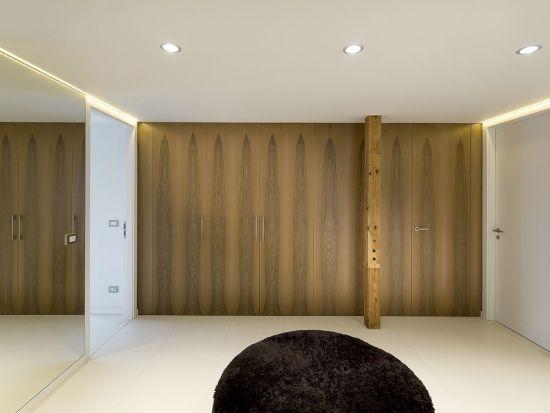 Beépített szekrény faltól-falig