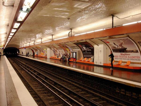metró csempe