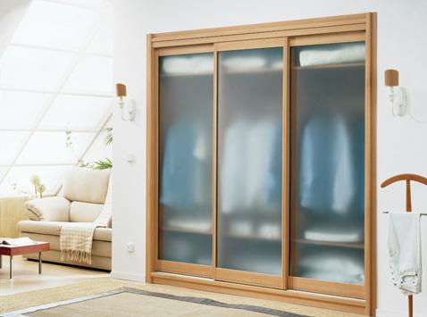 Tolós üvegajtó fadekor acél keretes szekrény
