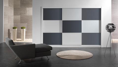 Aluminium vékony keretes tolóajtós szekrény, fadekor vagy egyszínű betétes tolóajtós szekrény