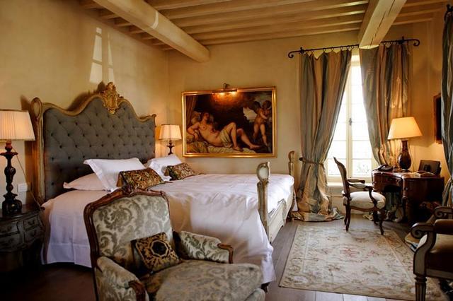 Barokk hálószoba fejtámlás ágy