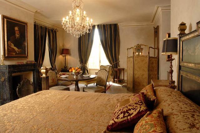 Barokk hálószoba és paraván