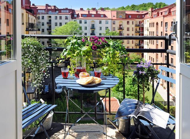 Kék fém kerti bútor