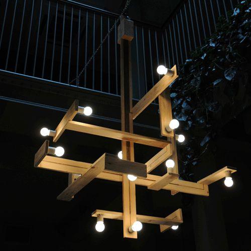 Egyedi lámpa raklap elemekből