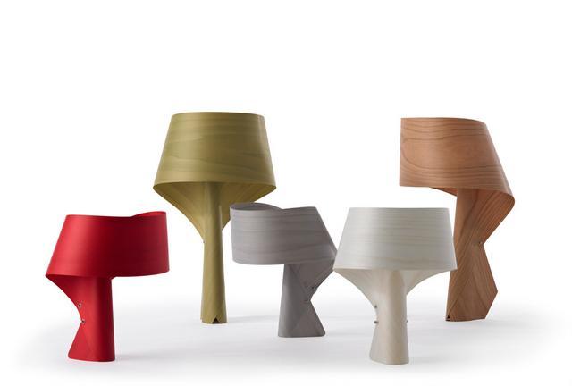 Polywood asztali lámpa