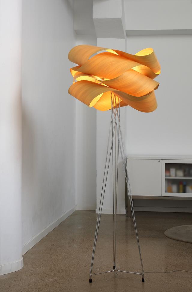 LFZ narancssárga állólámpa