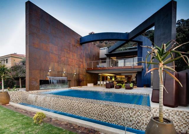 Extravagáns építészeti elem