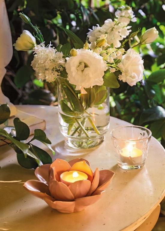 Mécsestartók kerti dekoráció