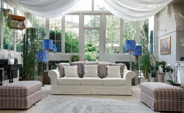 Aurelia klasszikus kanapé