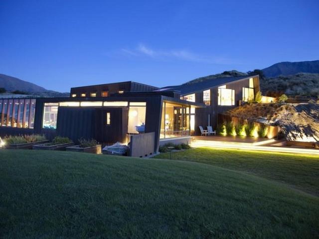 Egyedi teraszvilágítás modern ház