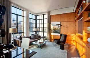 360 fokos kilátás a városra egy tágas New Yorki penthouse lakásból