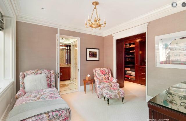 Modern penthouse lakás hálószobája