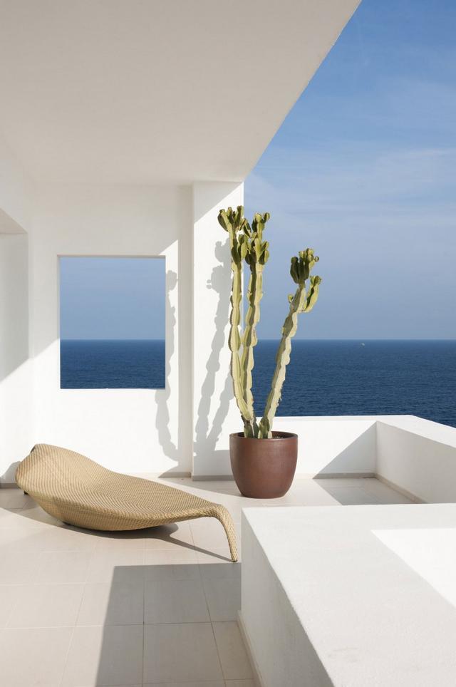 Napozóágy mediterrán teraszon