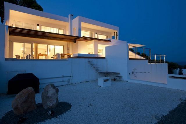 Modern mediterrán villa Ibizán