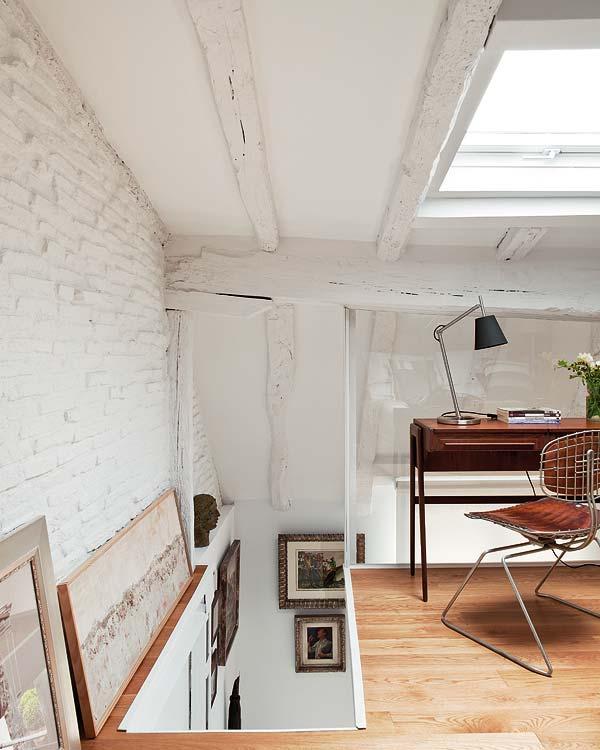 Rusztikus lépcsőfeljáró dolgozószoba