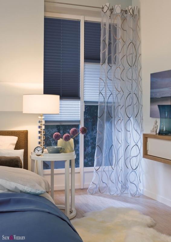 Pliszéfüggöny hálószobába