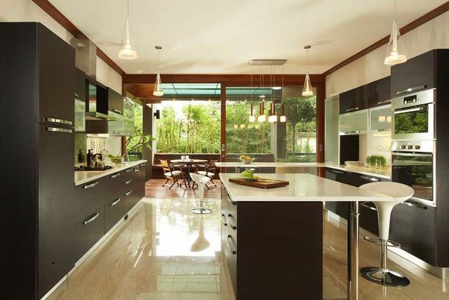 Modern konyhabútor fekete színben