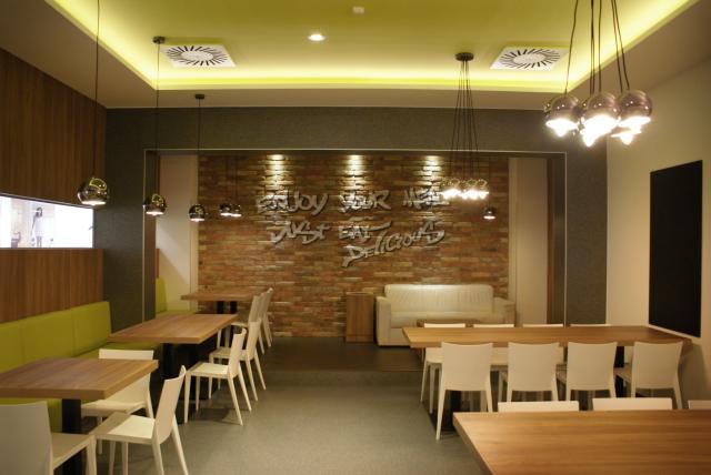 Reckitt Benckiser Creative Office étkező és konyha