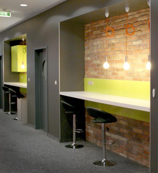 Reckitt Benckiser Creative Office iroda pihenő pult