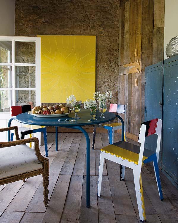 Eklektikus étkező festett régi bútorok