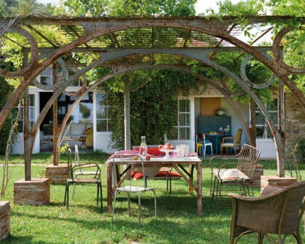 Kovácsoltvas mediterrán kerti bútor