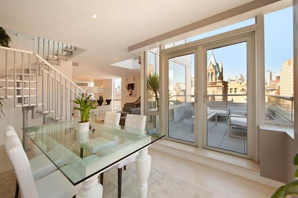 Kétszintes penthouse terasszal üvegfelületekkel