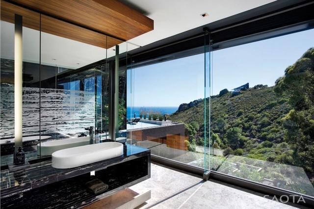 Fürdőszoba üvegfallal