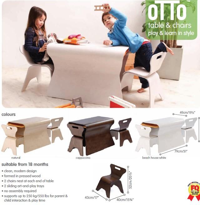 Bloom kisasztal kis székekkel