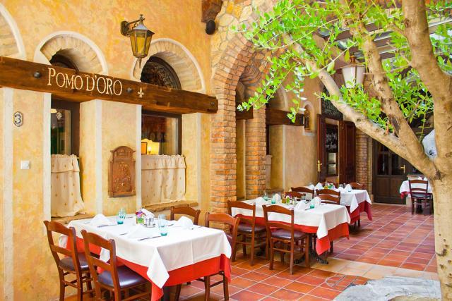 Romantikus olasz étterem szerelmeseknek