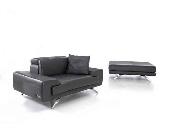 Aston Martin bőr kanapé és ottomán