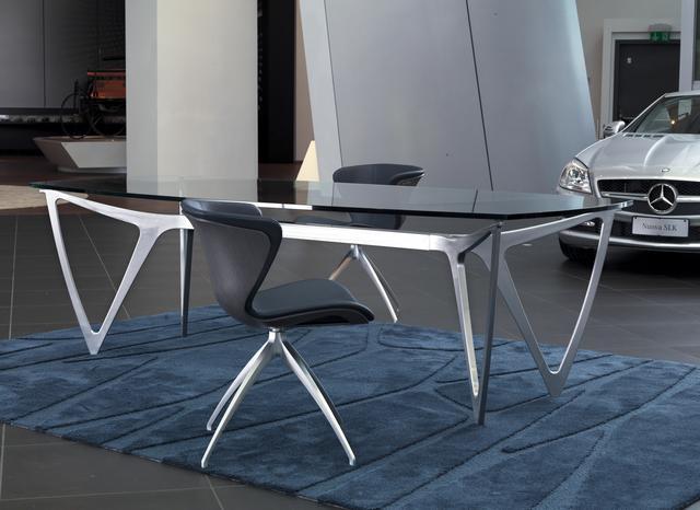 Mercedes Benz Style étkezőasztal