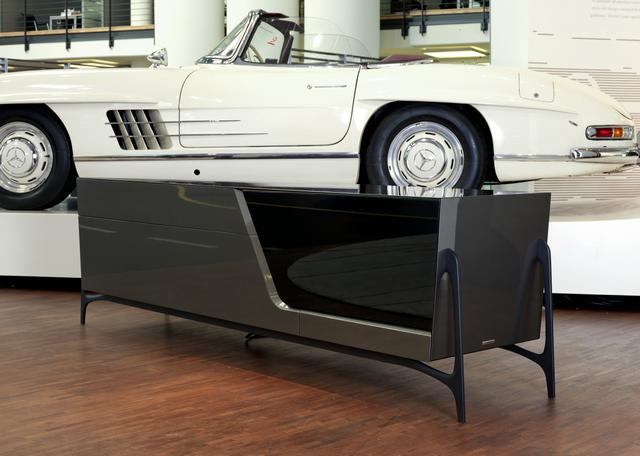 Mercedes Benz Style komód