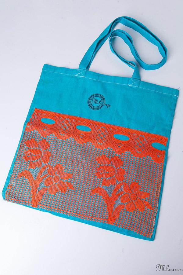 Vászon bevásárlótáska: natúr vászontáska (rövid füllel), festett, csipke díszítéssel
