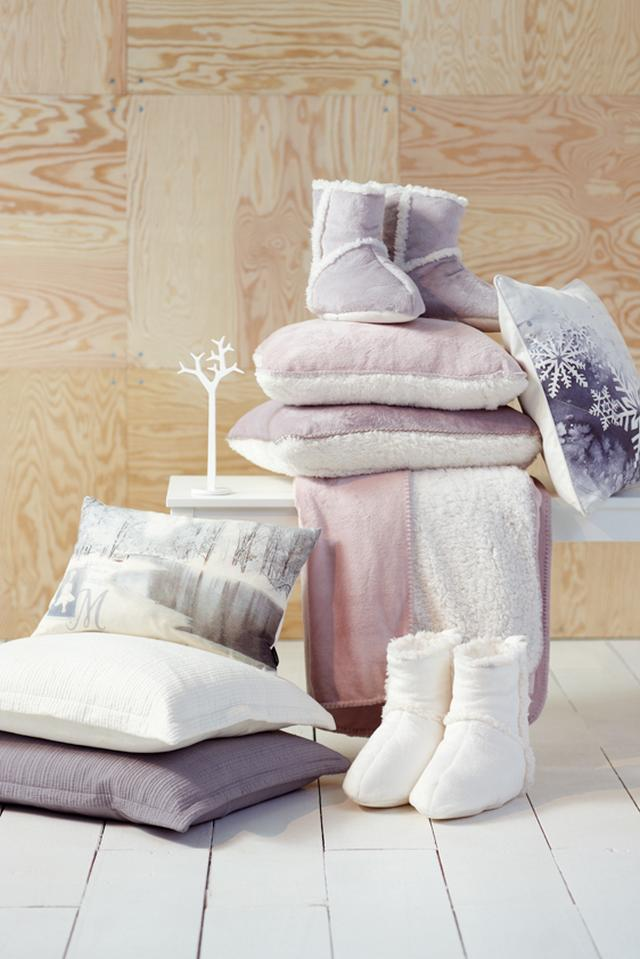 Lakástextil ajándék ötletek párna és ágytakaró