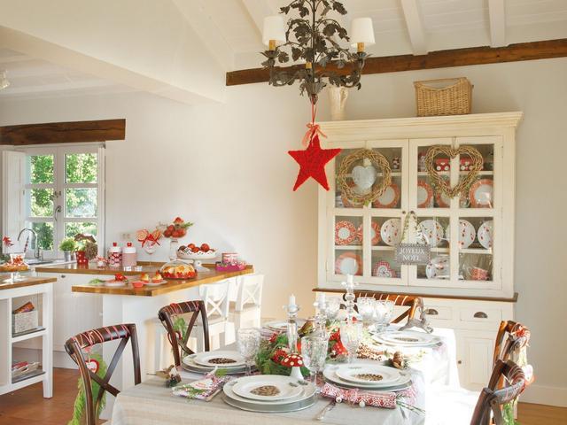 Karácsonyi konyha és étkező dekoráció