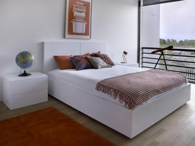 Tema Home IDdesign magasfényű fehér franciaágy