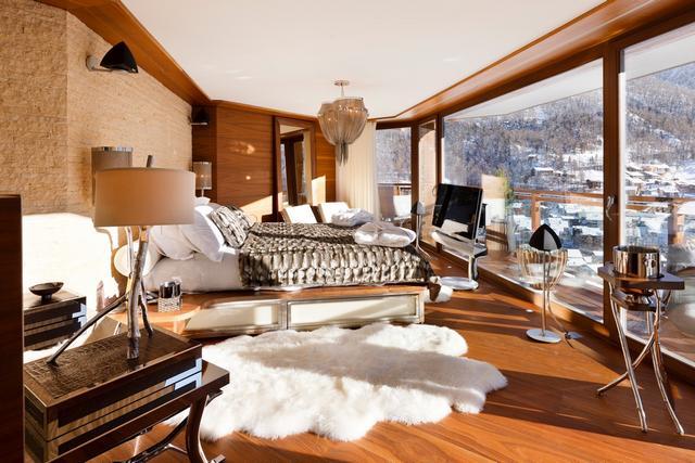 Luxus hálószoba házimozi rendszerrel
