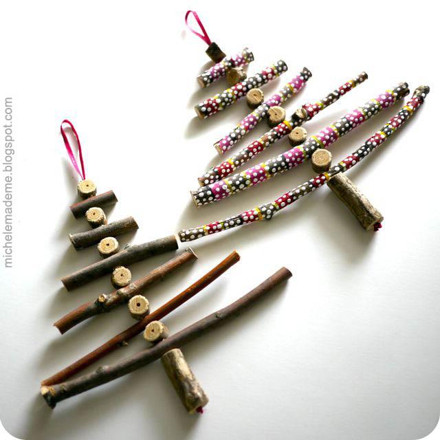 Karácsonyi dekoráció festett faágakból