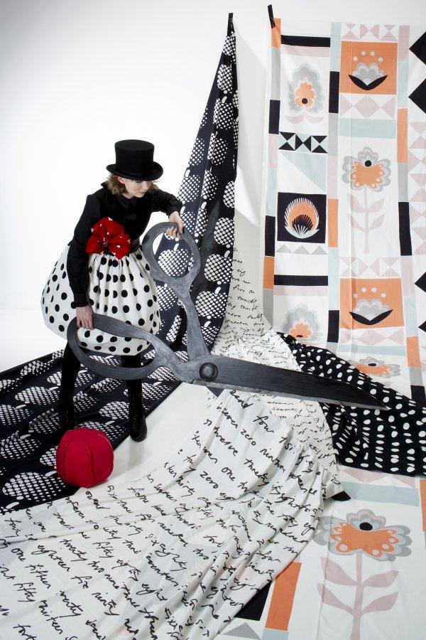 Stylist munka lakástextilekkel