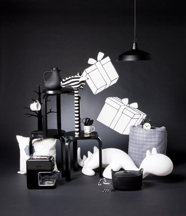 Stylist fekete-fehér kompozíció