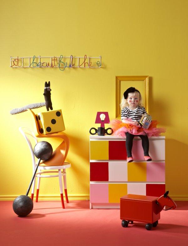 Gyerekszobai stylist munka sárga és rózsaszín