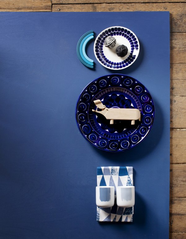 Styling kék design tárgyakkal