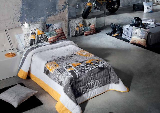 Vintage motoros ágytakaró