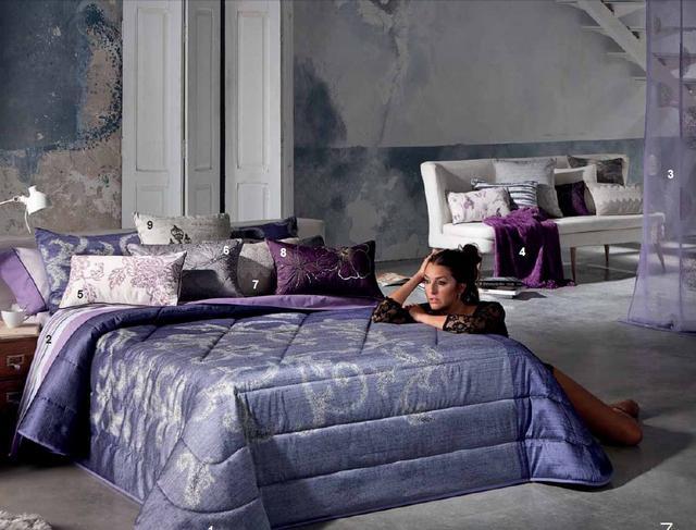 Kék fényes ágytakaró