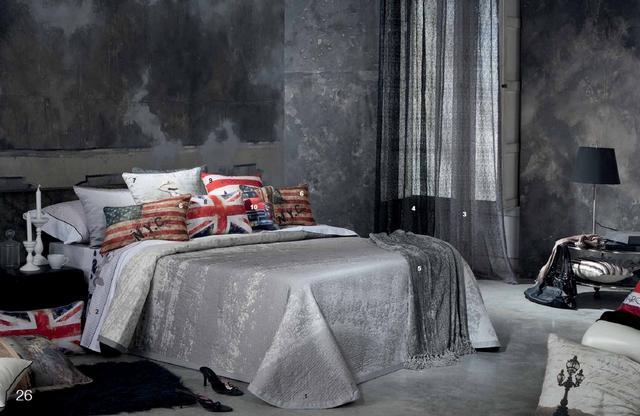 Ezüst szürke ágytakaró