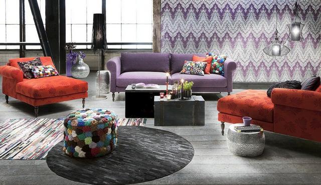 IDdesign lila és piros kanapé és fekvőfotel