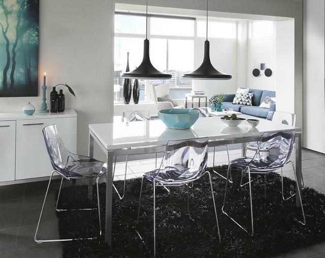 IDdesign modern étkezőasztal átlátszó szék