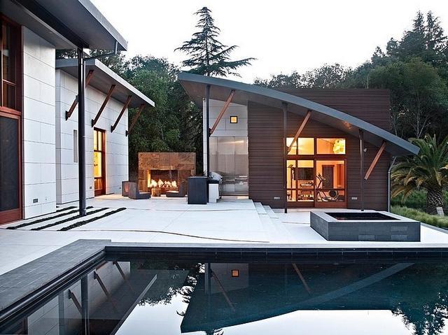 Modern udvari különálló helyiség spa és wellness
